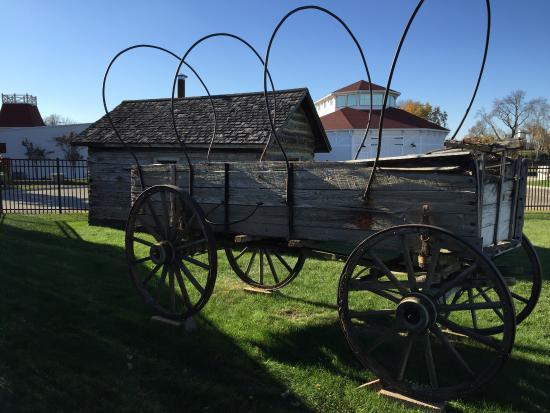 Alexandria, MN: Original covered wagon