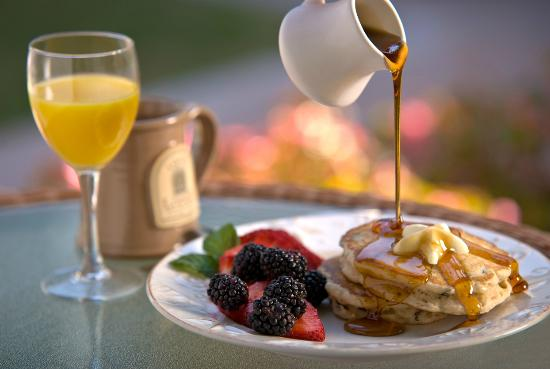 Fall Creek Inn & Suites : Breakfast