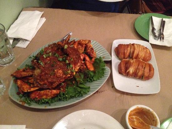 Shiok! A Taste of Singapore: Singapore chili crab - yummy!