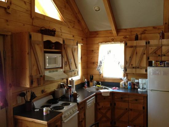 Stanardsville, Wirginia: Sugar Shack Cabin Kitchen