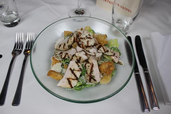 Joe Allen: Grilled chicken salad