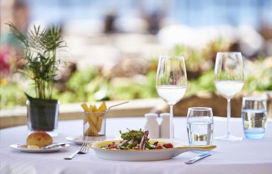 Hotel The Cliff Bay: The Blue Lagoon Restaurant