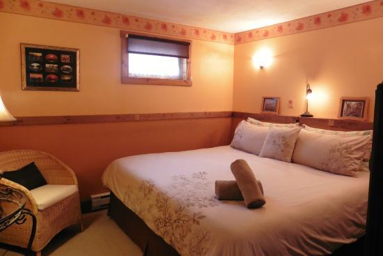 Pine Cones B&B: Dolce Vita bedroom