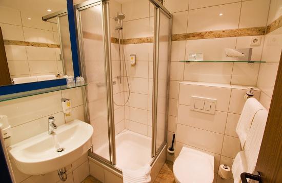 Hotel Restaurant Clemens-August: Bathroom