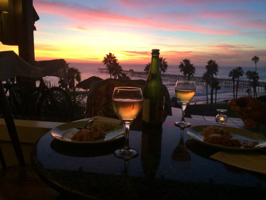 Beachcomber Inn: In-room dinner with a fantastic view