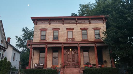 Haverstraw, Nova York: Casa Hudson at Dawn