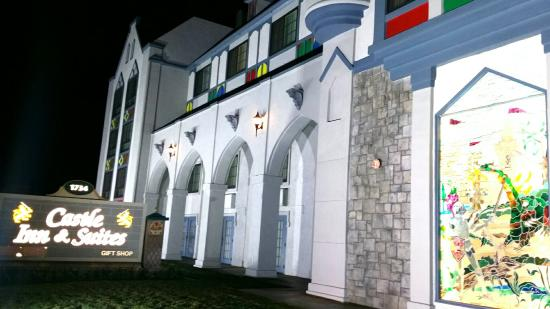 Castle Inn and Suites Photo