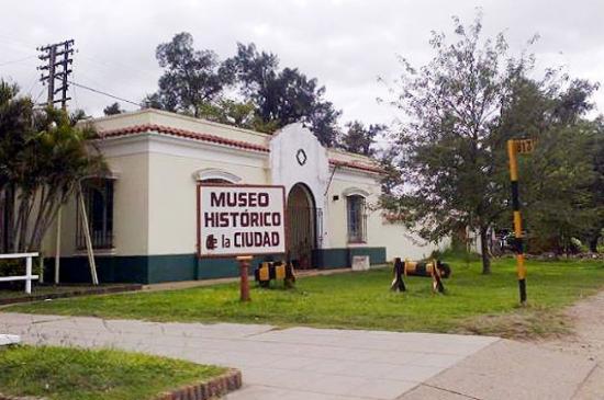 museo historico de la ciudad-al lado de las vias del tren- barranqueras-metan-salta- exactamente
