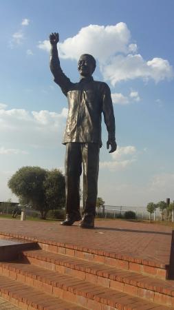 Nelson Mandela Statue