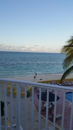 Blue Water Resort on Cable Beach: Balcony view