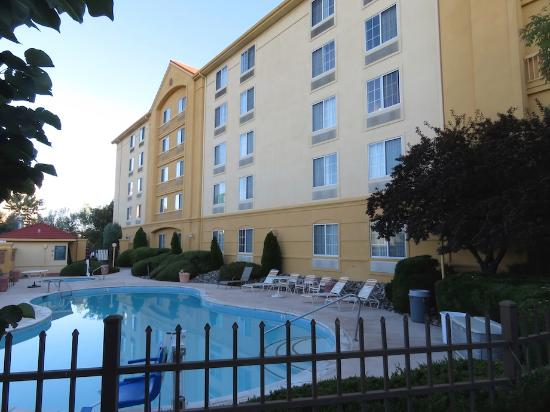 La Quinta Inn & Suites Grand Junction: Outdoor Pool