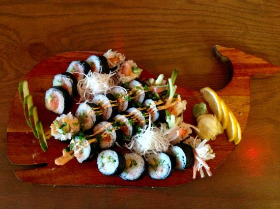 Rainbow Roll and Spicy Tuna Crunch Roll - Picture of Art Burger Sushi ...