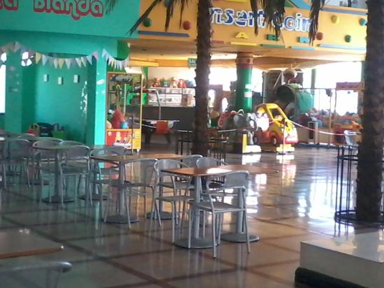 Del Parque Shopping Center