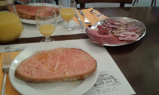 Fonda Marsal: Desayuno
