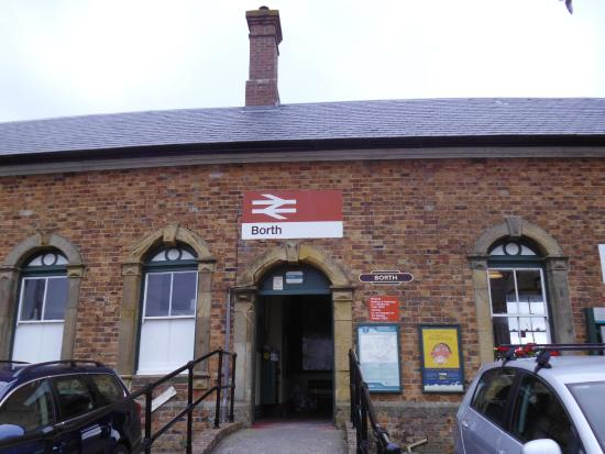 borth rail station and museum,