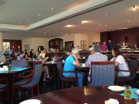 Mojo restaurant picture of hilton sharjah sharjah for Mojo restaurant