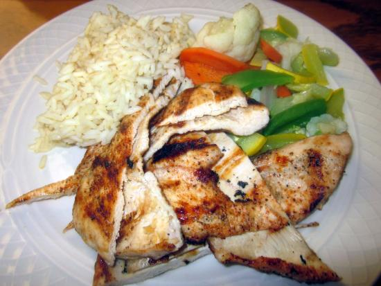 Pine Grill: Grilled Chicken w/ mixed veggies & rice