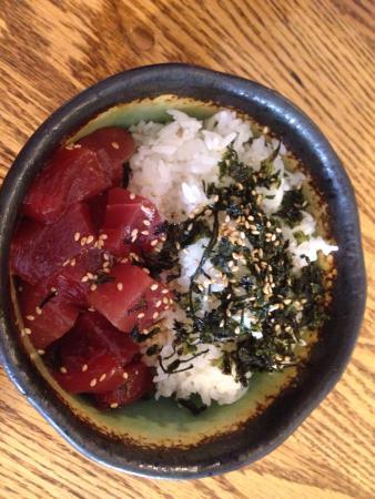 makawao sushi & deli: photo2.jpg