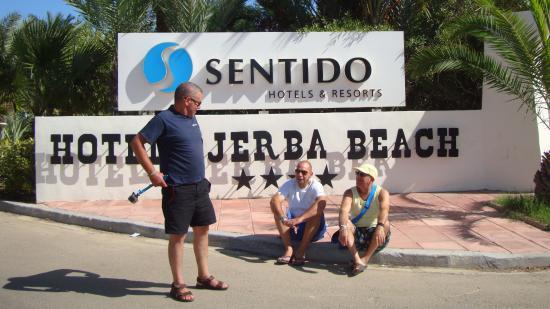 SENTIDO Djerba Beach: l'entrée de l'hotel