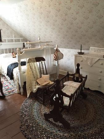 Lucy Maud Montgomery Birthplace: 二階にある、モンゴメリの生まれた部屋