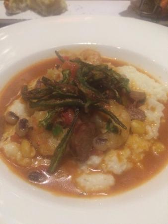 Southern Art & Bourbon Bar: Shrimp and Grits