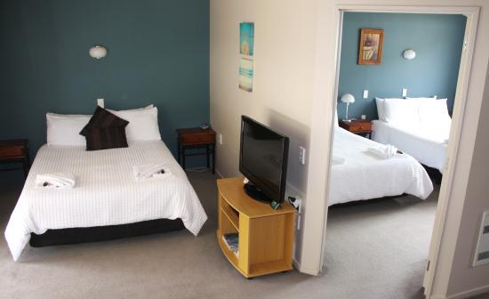 Kingston Holiday Park : Motel 8: $155 per night (sleeps 6 people)