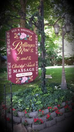Bellinger Rose Bed & Breakfast: Road Sign