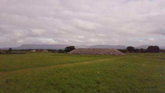Carrowmore Megalithic Cemetery: A large cairn at Carrowmore