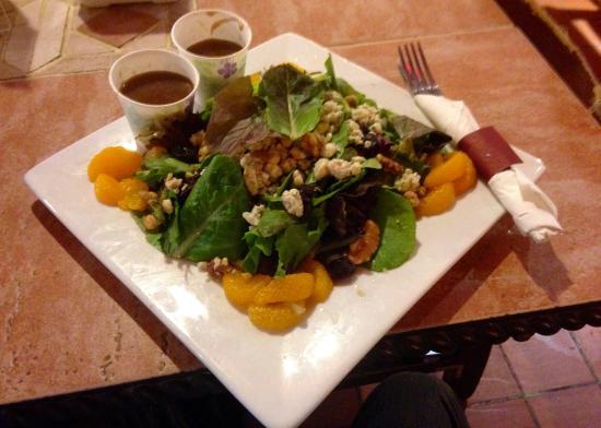 Cafe del Hidalgo: Hidalgo Salad, awesome