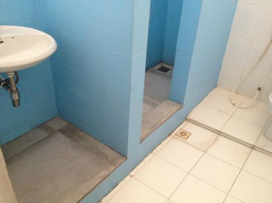 Eighty8 Backpackers: Bathroom improvements in response to feedback