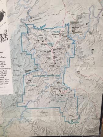 Road to Needles District: photo1.jpg