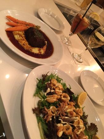 Flatz Restaurant and Lounge: Short Ribs, Calamari & Shrimp
