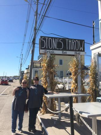 Stones Throw & Inn On The Blues