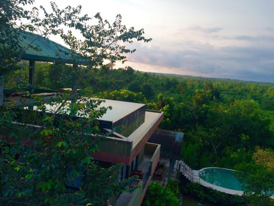 Mangrove Escapes: Really amazing location surrounded by nature. The infinity pools are awesome