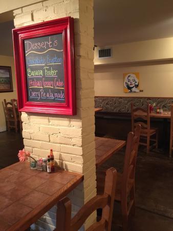 Hernando, Миссисипи: Underground Cafe