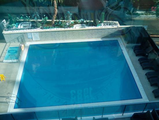 Kleopatra Life: Hotel pools. Small one for children