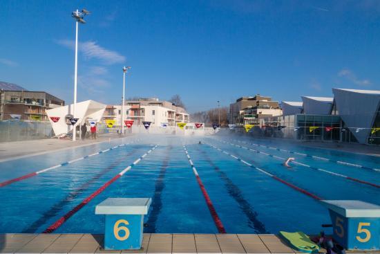 Tobogan bassin ext rieur photo de aqualac aix les bains for Tarif piscine aix les bains