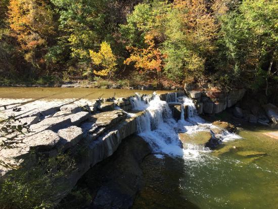 Trumansburg, estado de Nueva York: Taughannock Falls