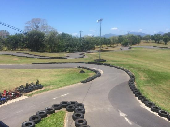 Holloways Beach, Australia: Cairns Kart Hire Track