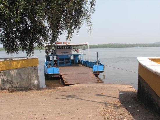 Divar Island: Ribander Ferry Point
