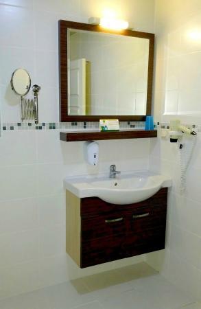 Ada Apart Hotel: bathroom