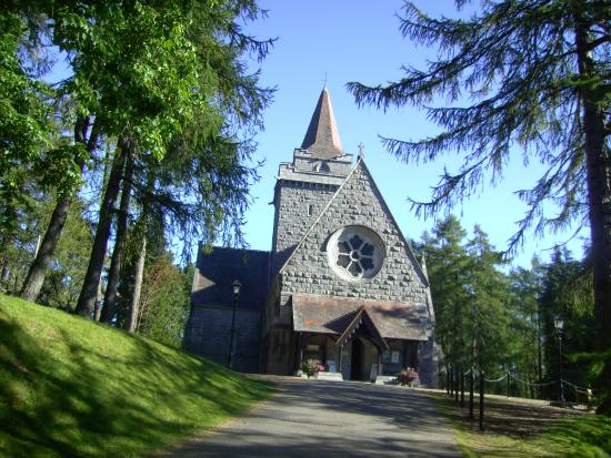 ‪Crathie Church‬