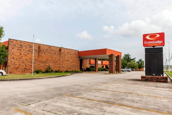 Photo of Econo Lodge Inn & Suites Hamilton