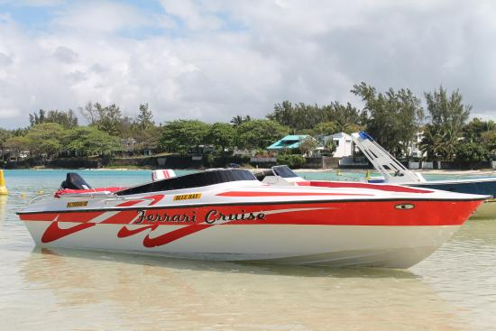 Blue Bay: Very nice speed boat
