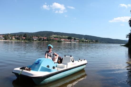 Frymburk, República Checa: Прогулки на катамаране