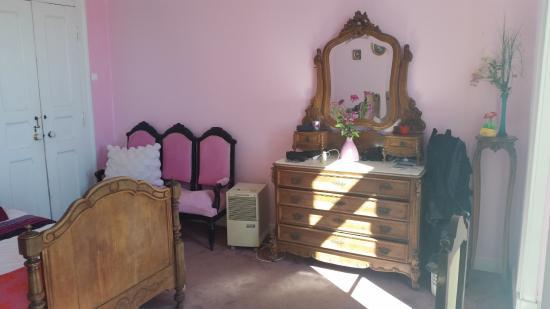 Casa Grande: The Pink Room