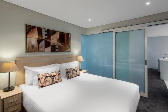 Oaks Horizons: Horizons Bedroom Executive