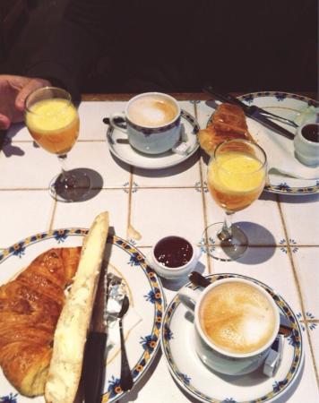 Colazione foto di le plomb du cantal parigi tripadvisor for Colazione parigi
