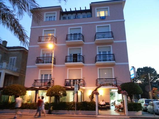 Ubicazione Hotel - Picture of Hotel Rosa Meuble\', Porto San Giorgio ...