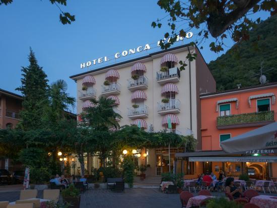 Hotel Conca d'Oro at dusk